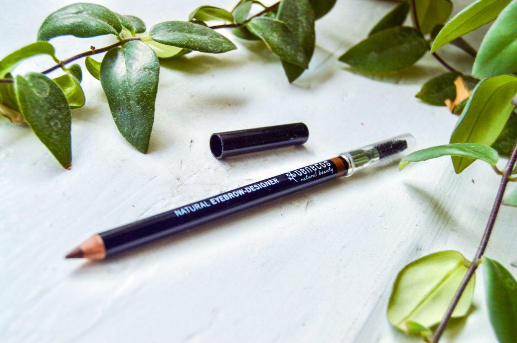 Ceruzka na obočie