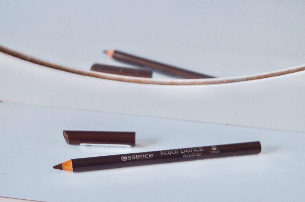 essence ceruzka