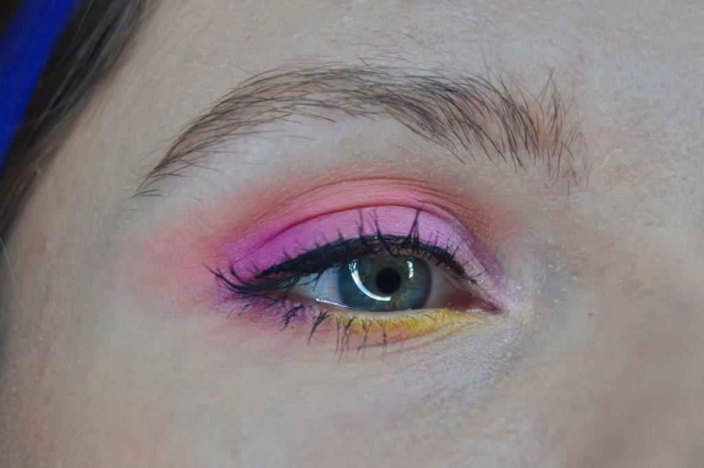 ružové očné tiene